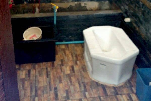 Thai Toilets
